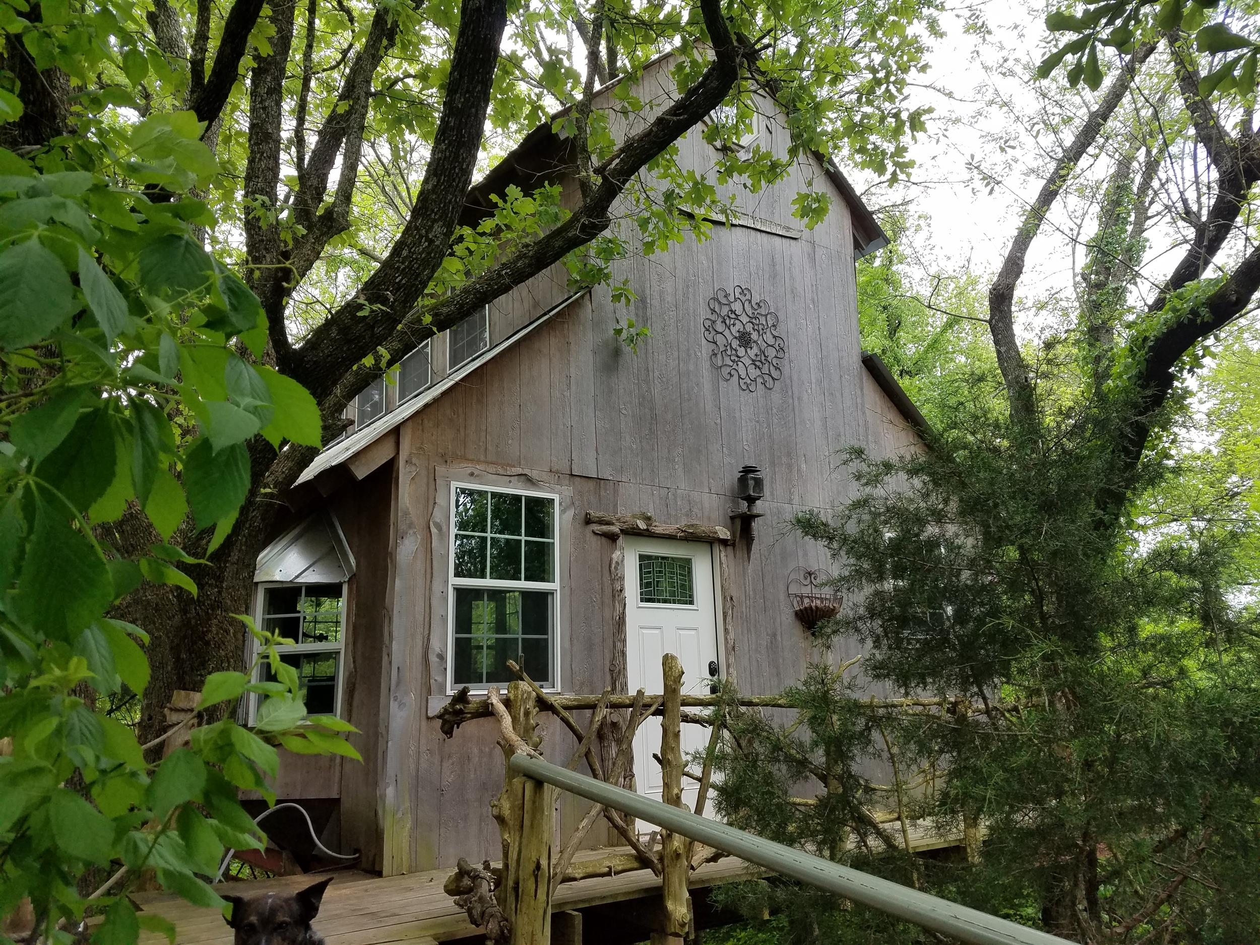 Bare Creek Hollow Treehouse